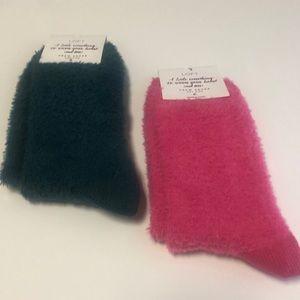 Loft Warm & Fuzzy Crew Socks (1 teal/1 pink) 2pair
